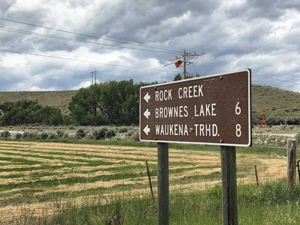Sign to Browne's Lake